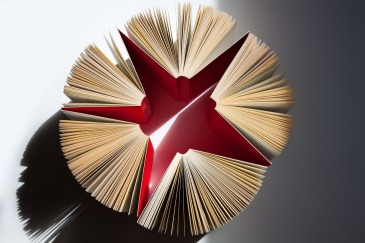 books-1439321_1280